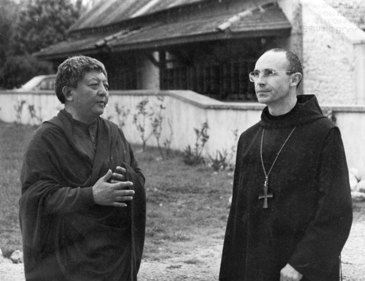 Lama Jigmé Rinpoché et Msr Le Gall à Dhagpo