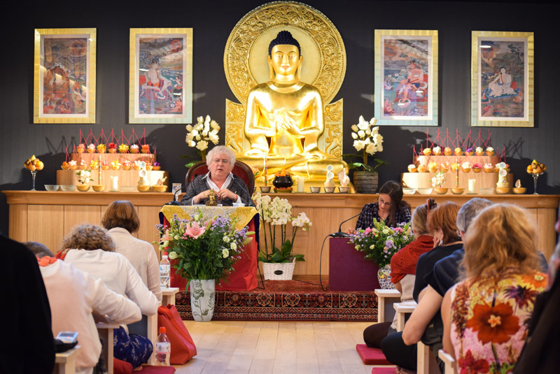 """Lama Jampa Thaye came, August 8 and 9, to respond to a question that particularly interests us : What can Buddhism offer the West ?"""