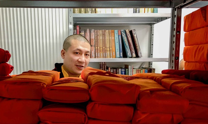 Karmapa, 1st visit of the documentary stack, July 2015