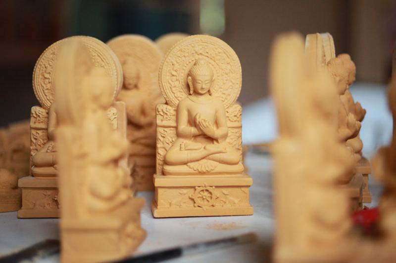 """""""(...) le Bouddha de l'Institut (...) servira d'ailleurs de modèle aux tsa-tsas proposées comme supports d'offrande cette année-là..."""""""