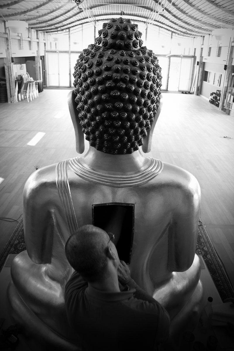 """""""(...) l'atelier s'est aussi chargé de préparer l'intérieur de la statue, de manière à la rendre parfaitement hermétique (...)."""""""